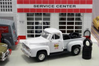 Diecast Sunoco 1953 Ford F-100 Pick-up Truck